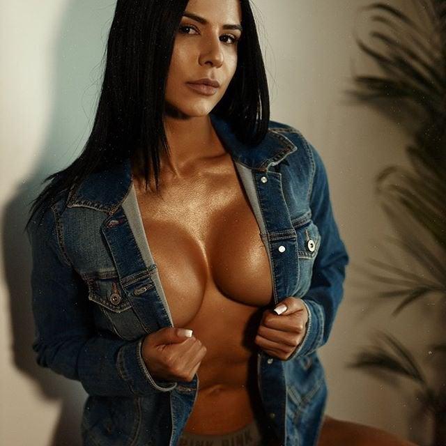 Eva Andressa Vieira Female Muscle Girls Proibido a reprodução sem prévia autorização. female muscle girls